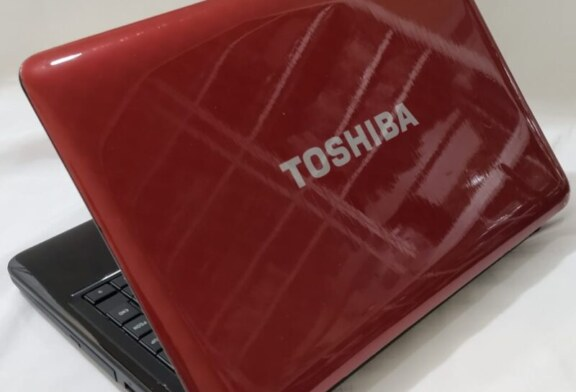 Toshiba Satellite L745 Core i3 GeForce 128bit